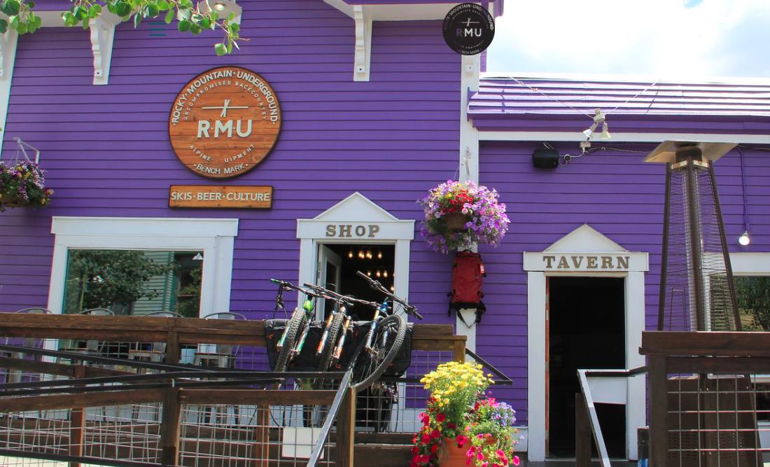 Favoriet in Breckenridge: Rocky Mountain Underground (RMU): bar-in-shop