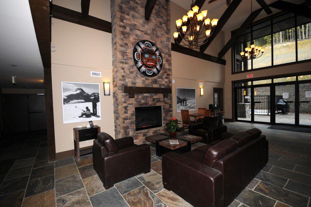 Kicking Horse - Palliser lodge lobby.jpeg