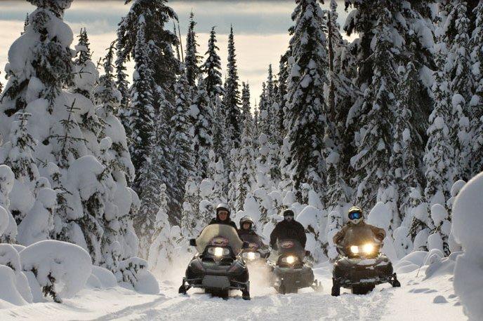 sun peaks canada sneeuwscooter.jpg
