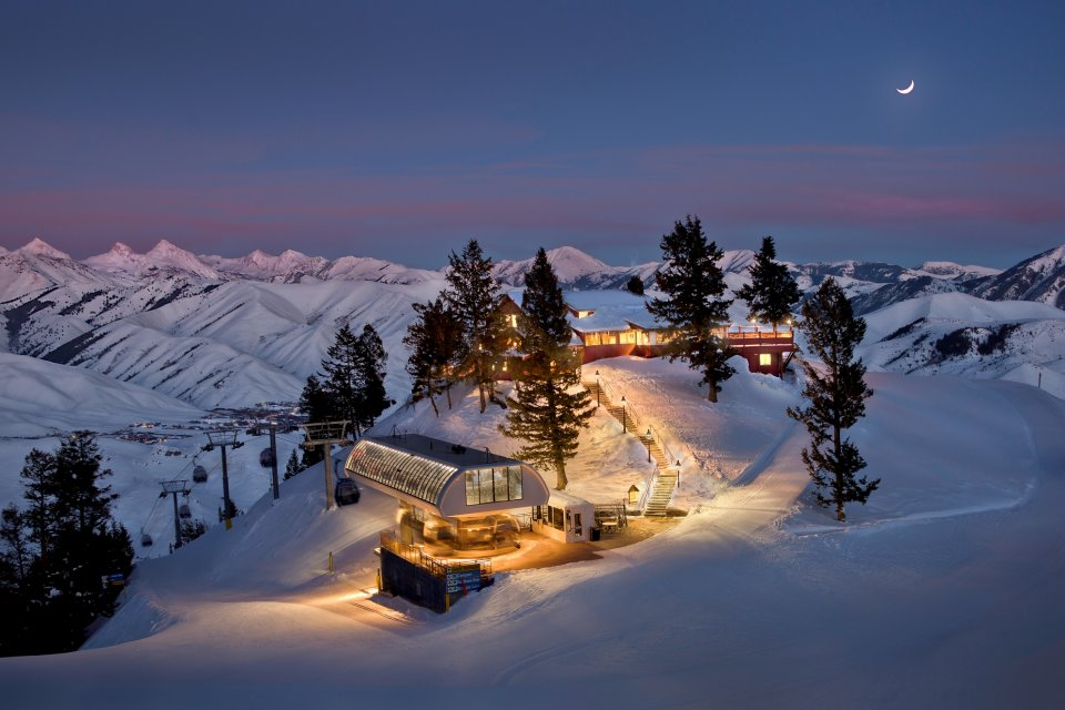 sunvalley_theroundhouse_winter.jpg