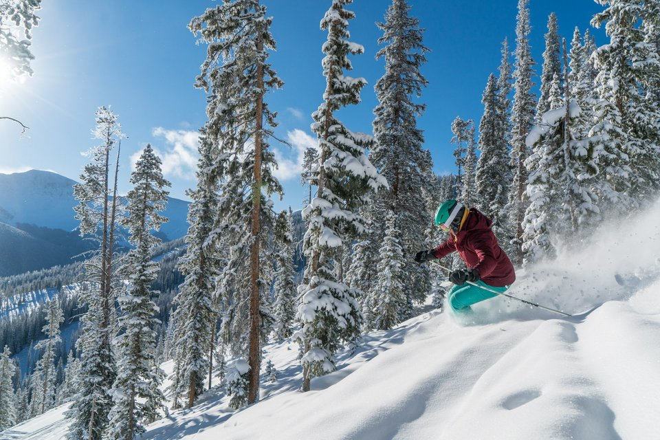 2018-02-16_wp_bluebirdpowder-skiing-cfrey-08873_2048px.jpg