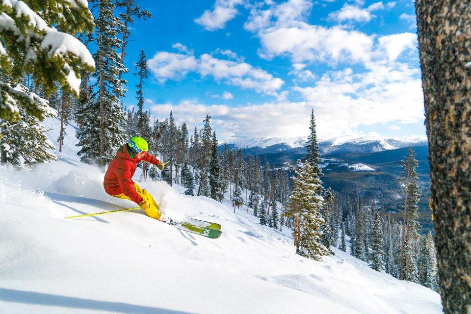 2018-03-30_wp_bluebirdpowderouthouse-skiing-cfrey-001-1_2048px.jpg