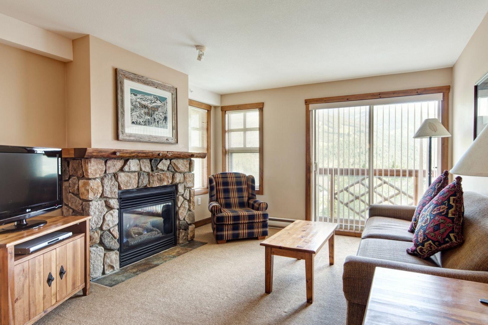 Panorama Mountain Village - taynton lodge living 2.jpg