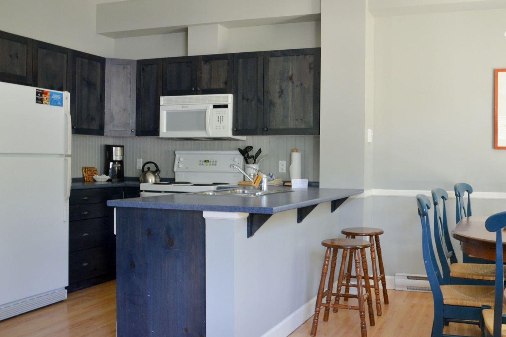Panorama Mountain Village - aurora townhomes kitchen.jpg