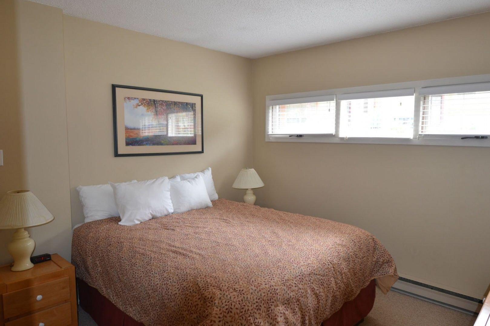 Panorama Mountain Village - horsethief bedroom.jpg