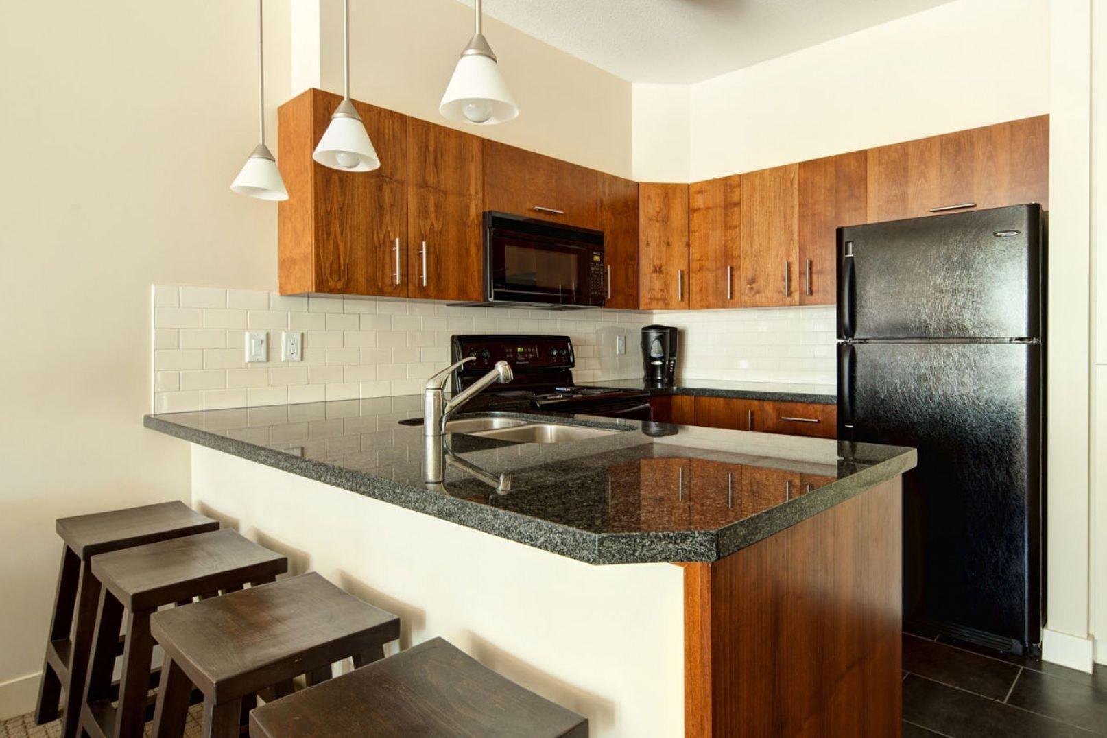 Panorama Mountain Village - lookout townhomes kitchen.jpg