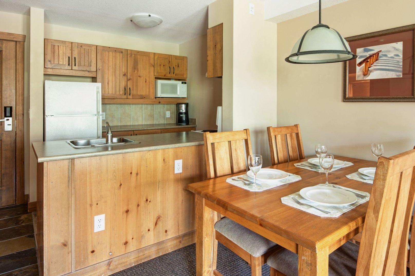 Panorama Mountain Village - taynton lodge kitchen 2.jpg