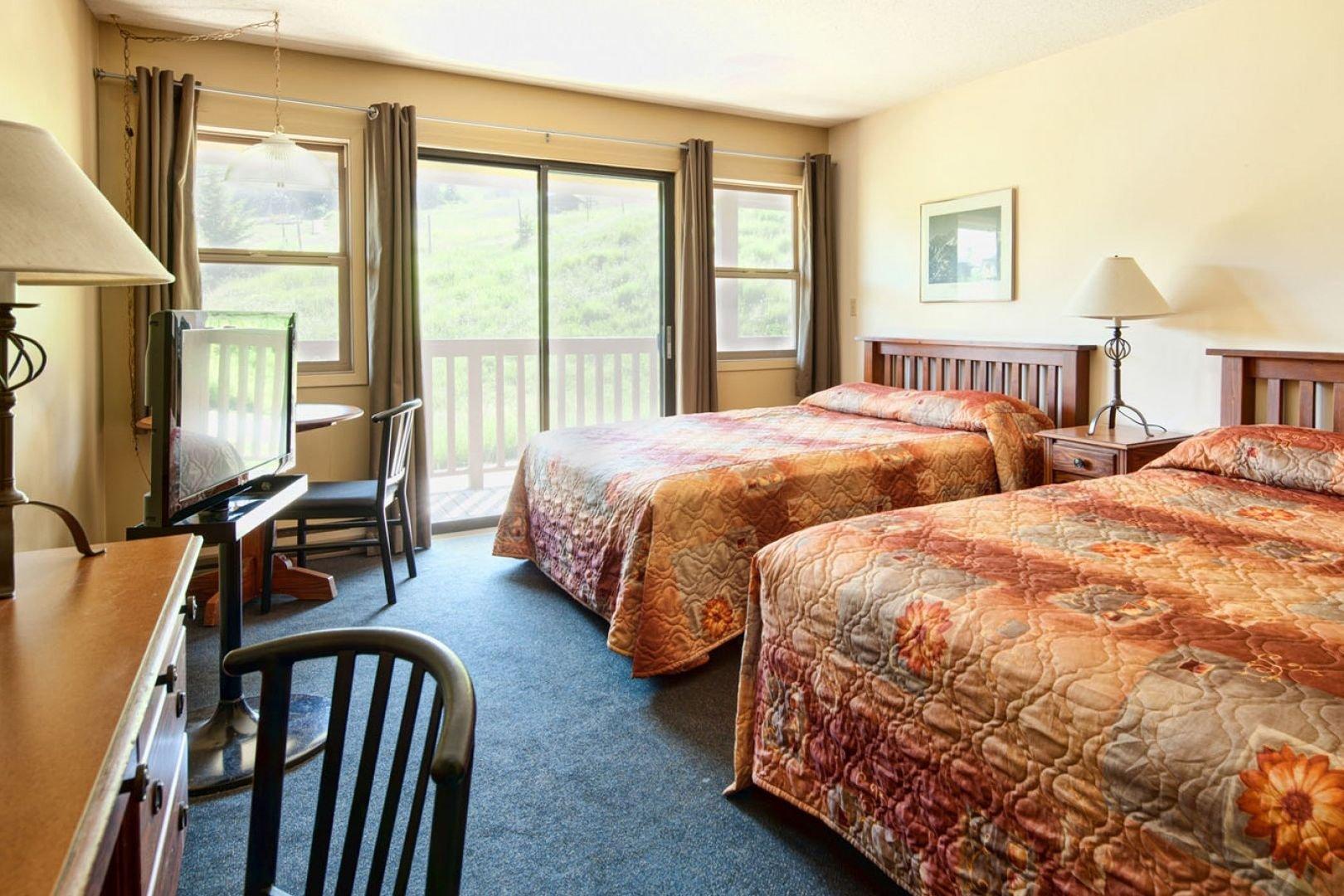 Panorama Mountain Village - pine inn 2 queens.jpg