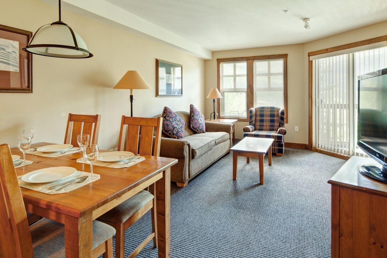 Panorama Mountain Village - taynton lodge living.jpg