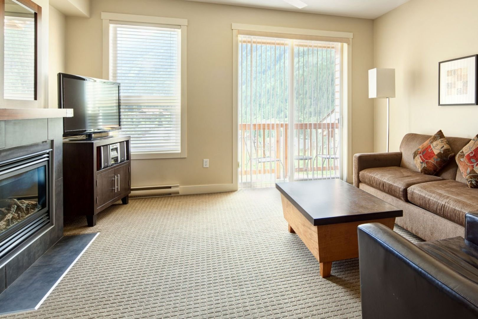Panorama Mountain Village - lookout townhomes living 2.jpg