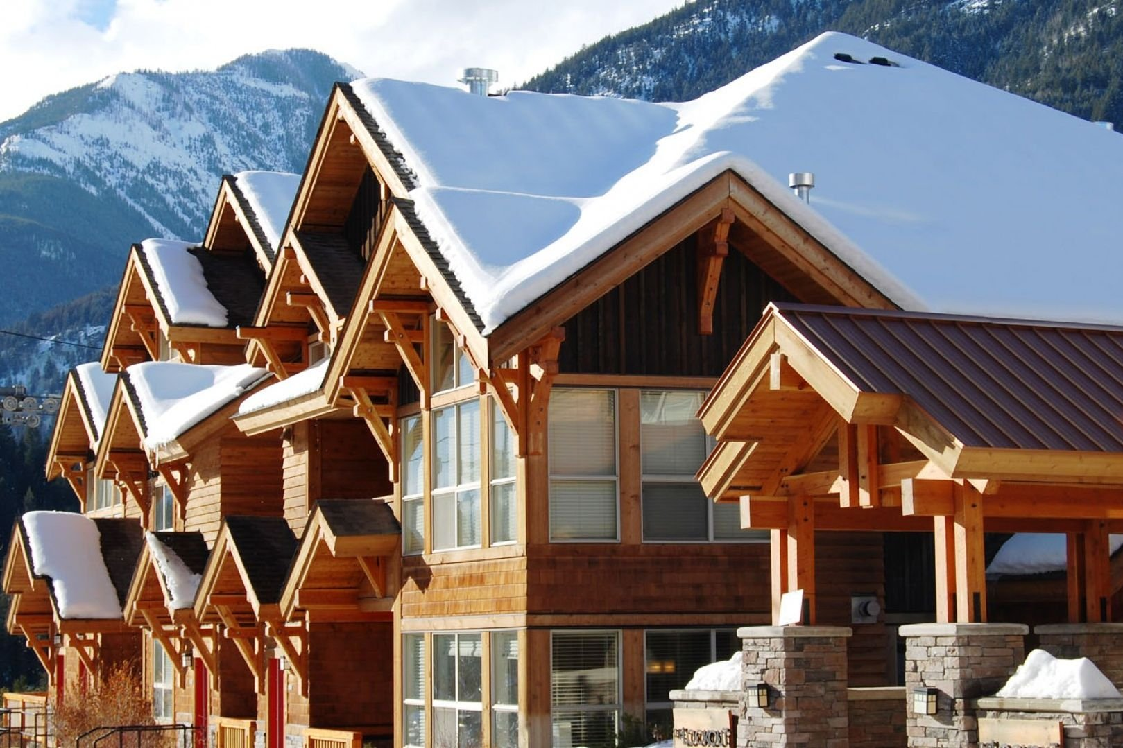 Panorama Mountain Village - lookout townhomes exterior.jpg