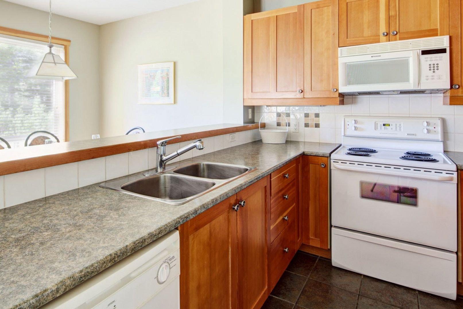 Panorama Mountain Village - riverbendt kitchen 2.jpg