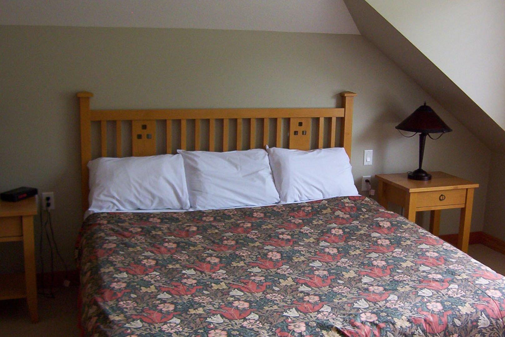 Panorama Mountain Village - hartstone townhomes master bedroom.jpg