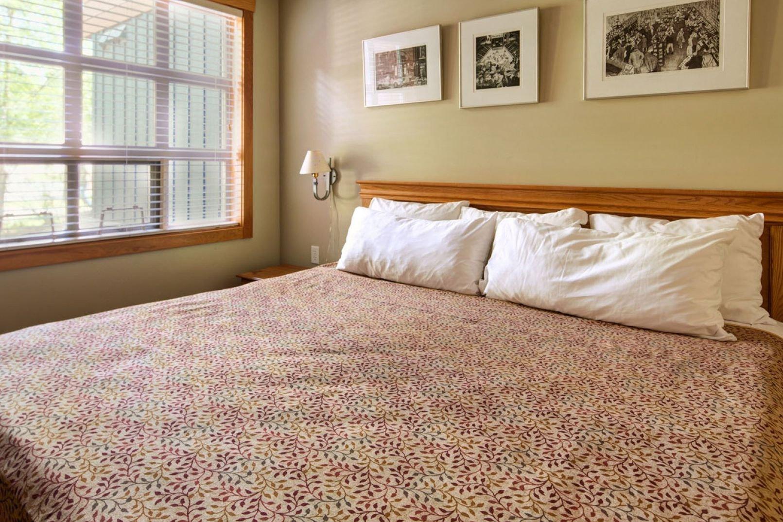 Panorama Mountain Village - riverbendt bedroom.jpg