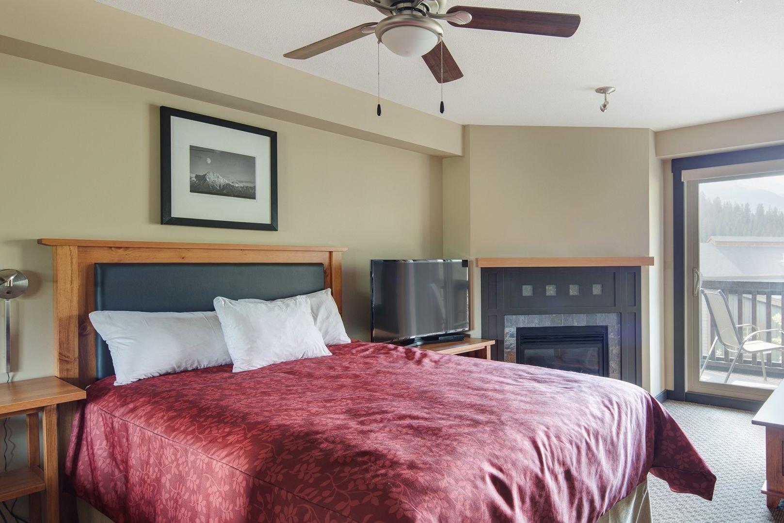 Panorama Mountain Village - 1000 peaks lodge bedroom 2.jpg