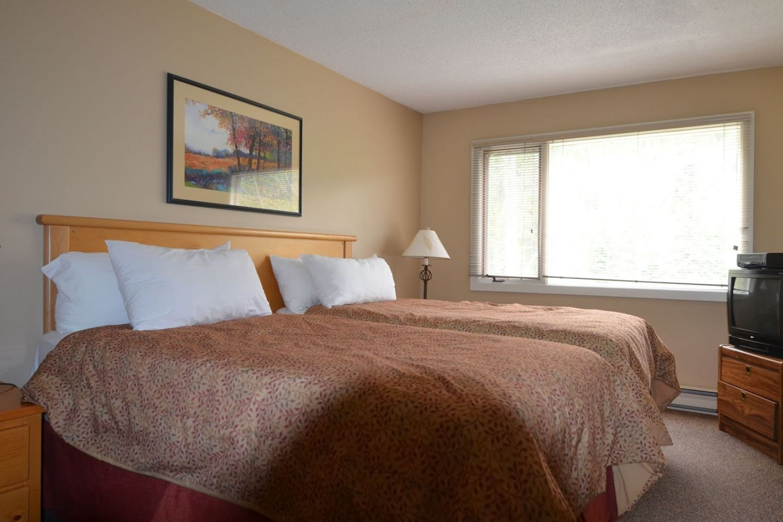 Panorama Mountain Village - horsethief bedroom 2.jpg