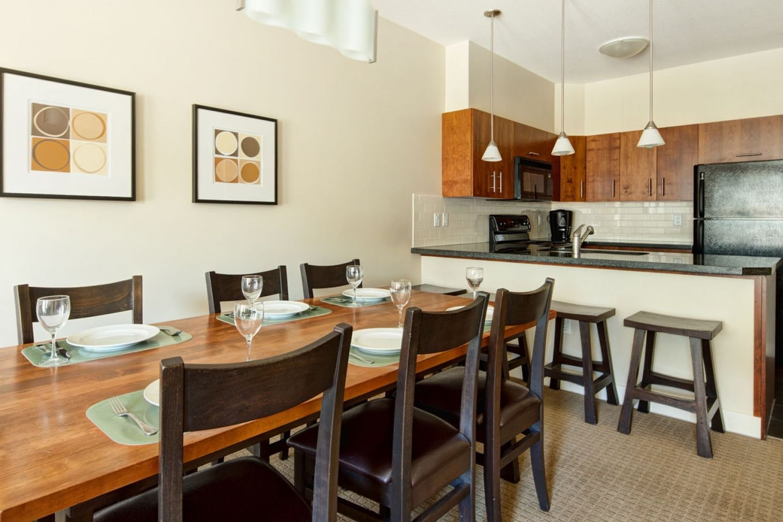 Panorama Mountain Village - lookout townhomes kitchen 2.jpg