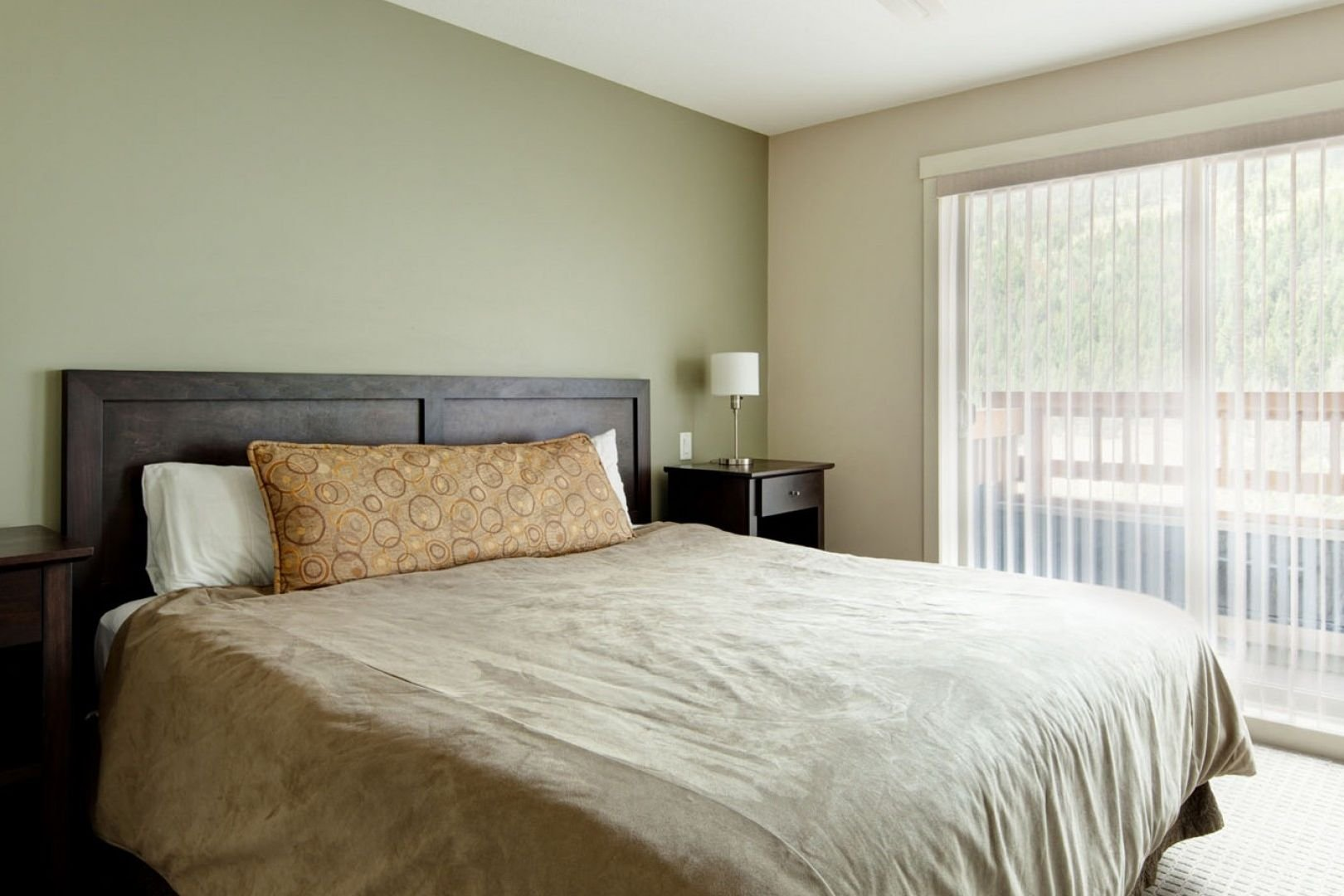 Panorama Mountain Village - lookout townhomes bedroom 2.jpg