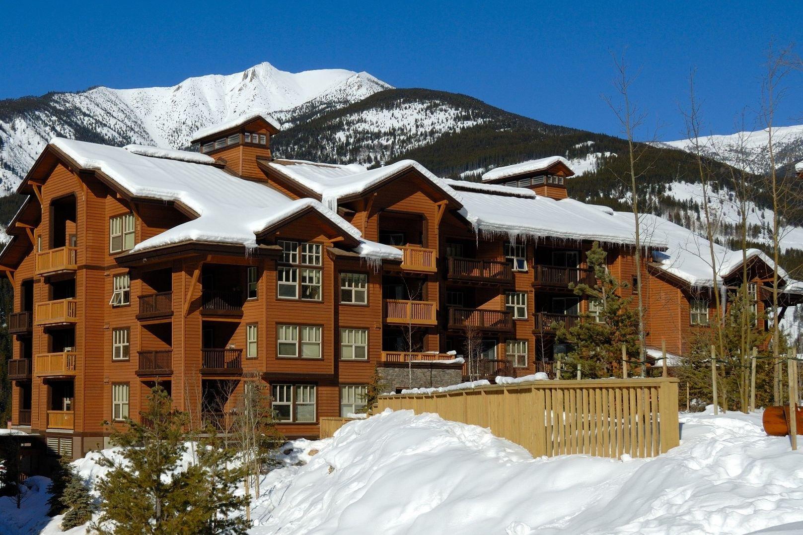Panorama Mountain Village - 1000 peaks lodge exterior.jpg