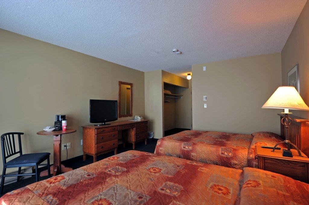 Panorama Mountain Village - pine inn 1 bedroom.jpeg