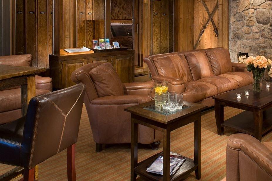 molly gibson hotel lobby.jpg