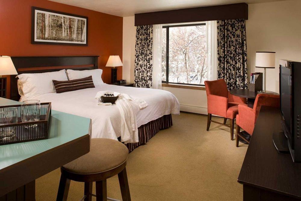 Aspen - hotel aspen deluxe king.jpg