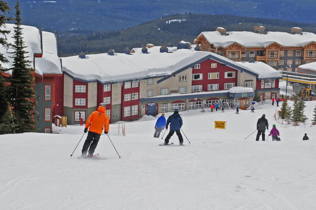 Big White - White Crystal Inn ski-in & ski-out