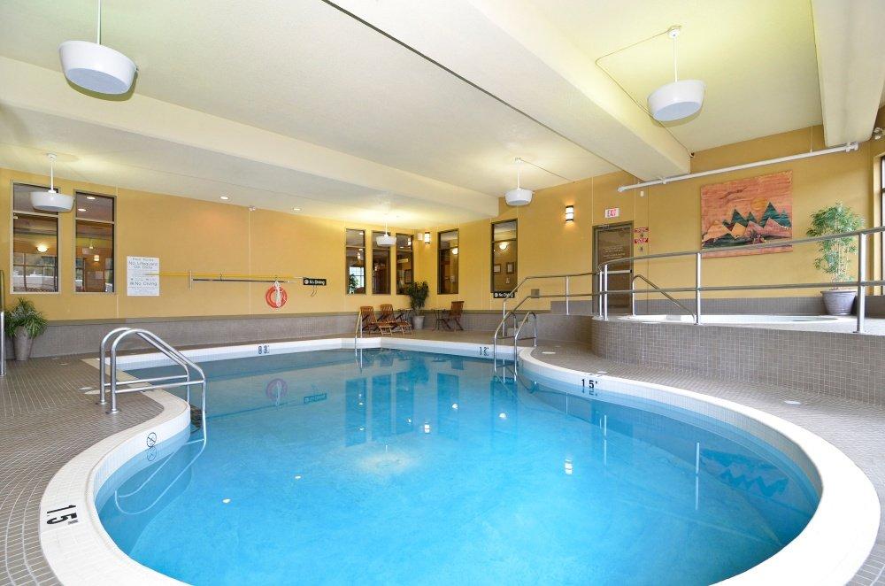 Fernie - Best Western Mountain Plus pool