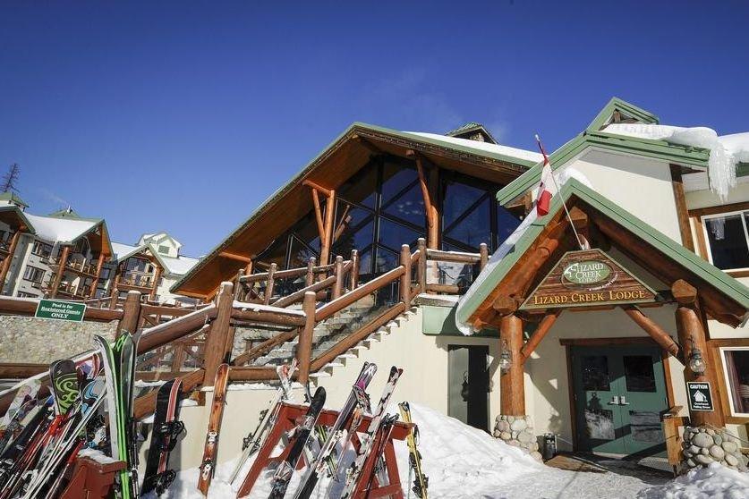 Fernie - Lizard Creek Lodge outside