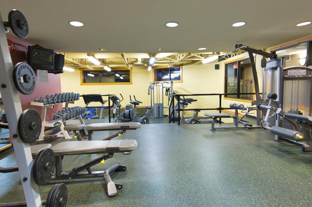 Fernie - Lizard Creek Lodge gym