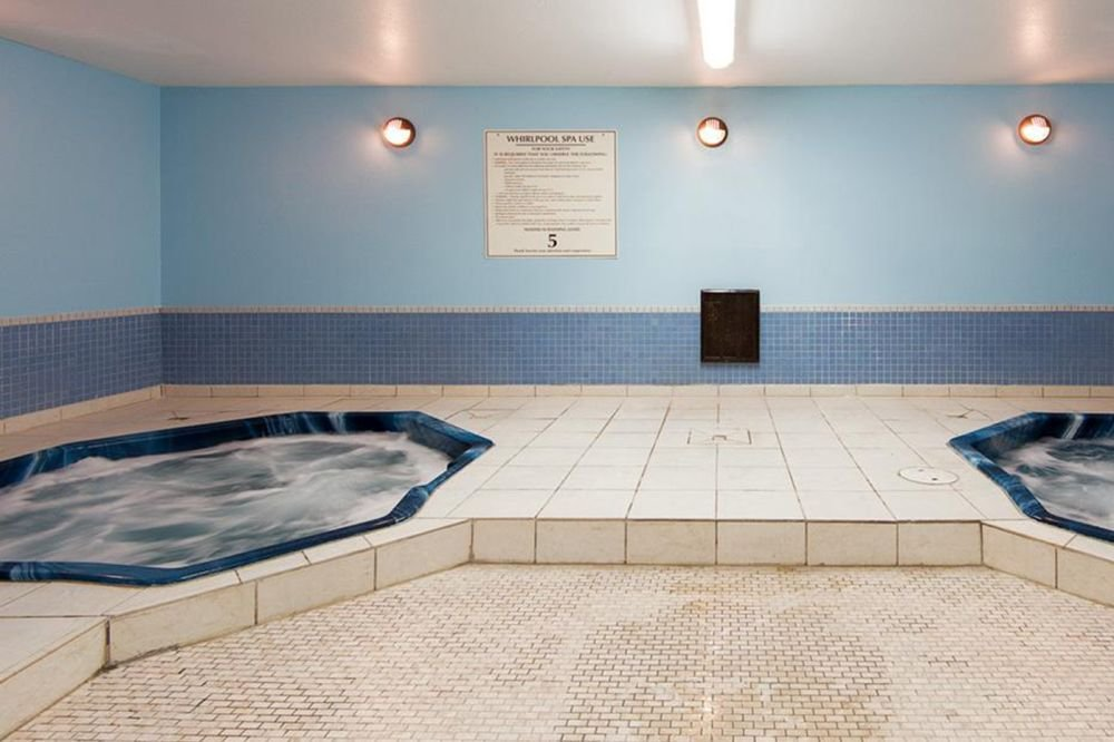 Fernie - Fernie Slopeside Lodge hot tub
