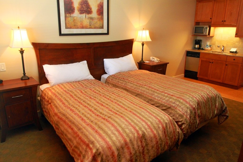 Silver Star - Snowbird Lodge twin beds
