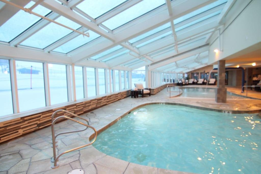 Breckenridge – Mountain Thunder Lodge indoor pool