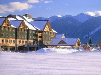 best western plus fernie mountain lodge in de sneeuw.jpeg