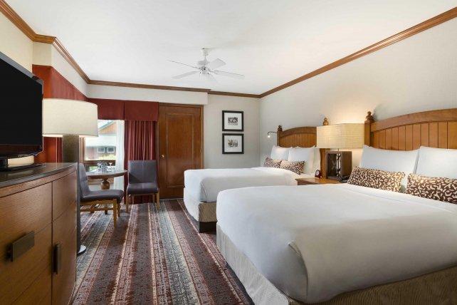 Fairmont Jasper Park Lodge Fairmont room