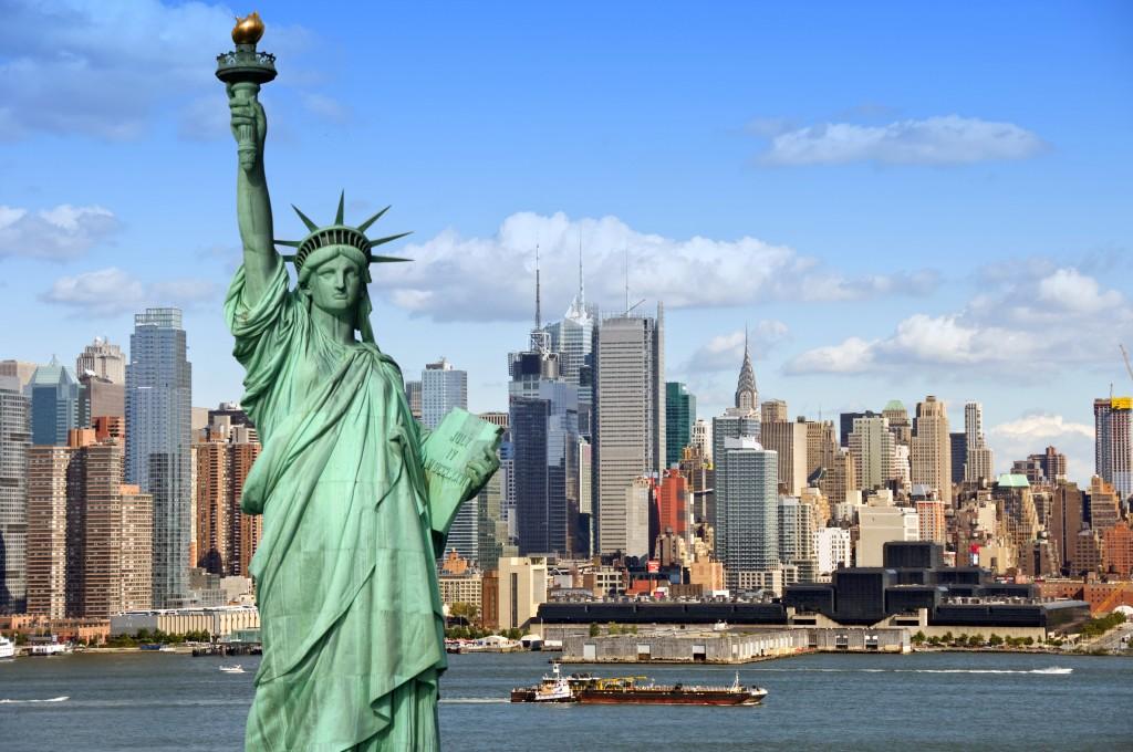 New York Skyline met het vrijheidsbeeld