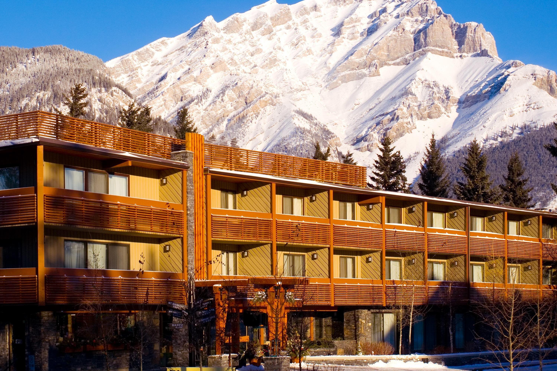 Banff - Banff Aspen Lodge exterior
