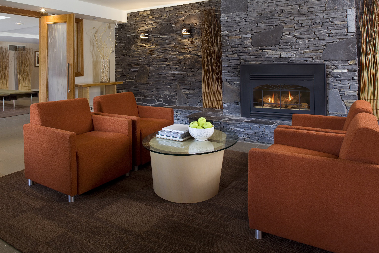 Banff - Banff Aspen Lodge fireplace