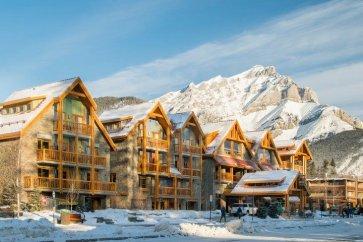 Banff - Moose hotel & suites exterior