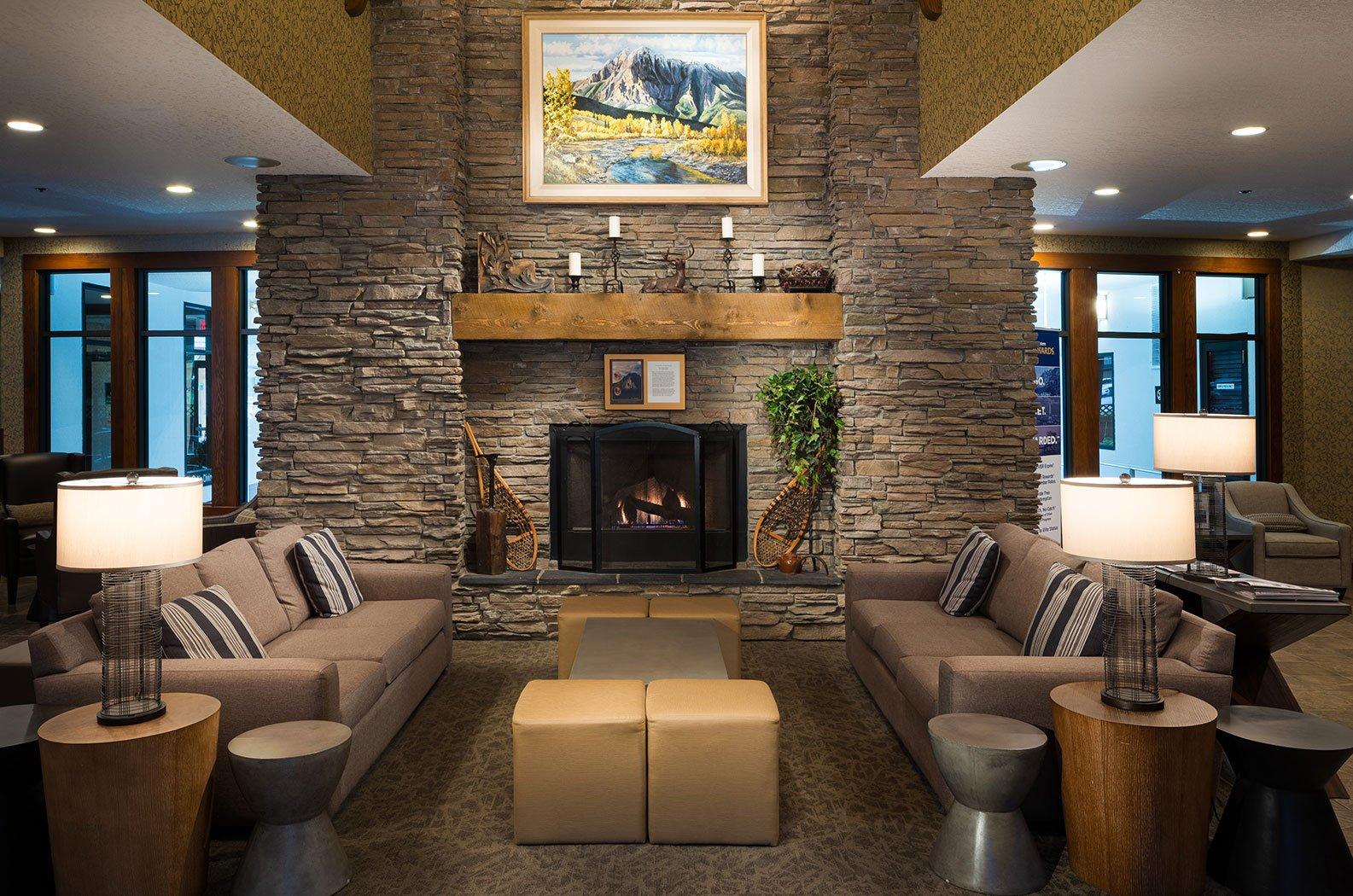 Fernie - Best Western Mountain Plus lobby