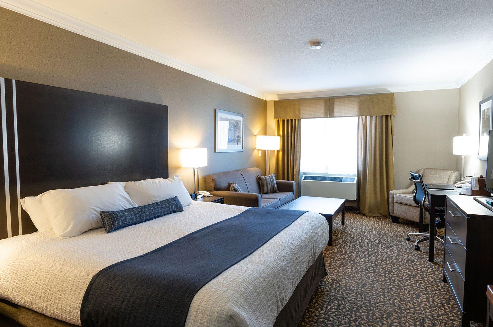 Fernie - Best Western Mountain Plus hotel room 1 king