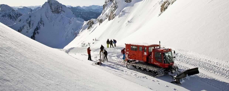 Bij cat skiën aanbieden heb je toegang tot een enorm groot backcountry terrein waardoor er praktisch gegarandeerd kan worden dat er in de verse sneeuw geskied kan worden.