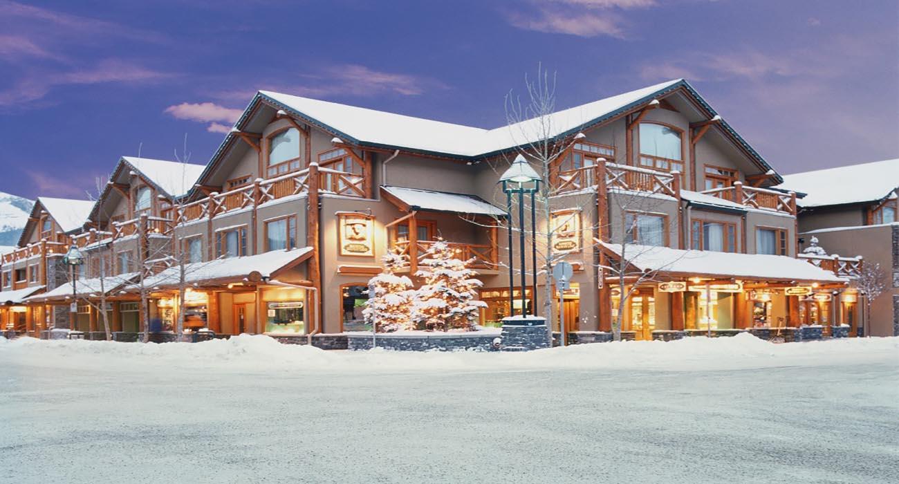 In Banff kun je verblijven in de Brewster Mountain Lodge, 1 van de vele hotels die we aanbieden voor deze skisafari