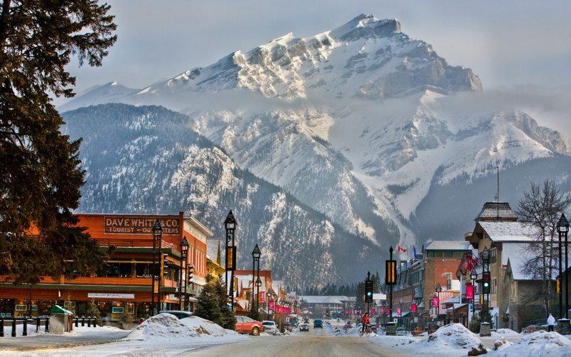 Banff is een bekende wintersportplaats en heeft heel veel te bieden. Het is een populaire wintersport bestemming in Canada.