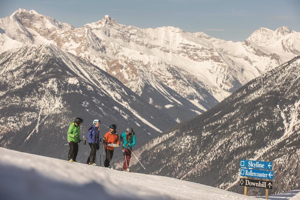 Geniet in Panorama van het skigebied of ga een dagje helikopterskiën, wij bieden een zeer aantrekkelijk dag arrangement in Panorama!