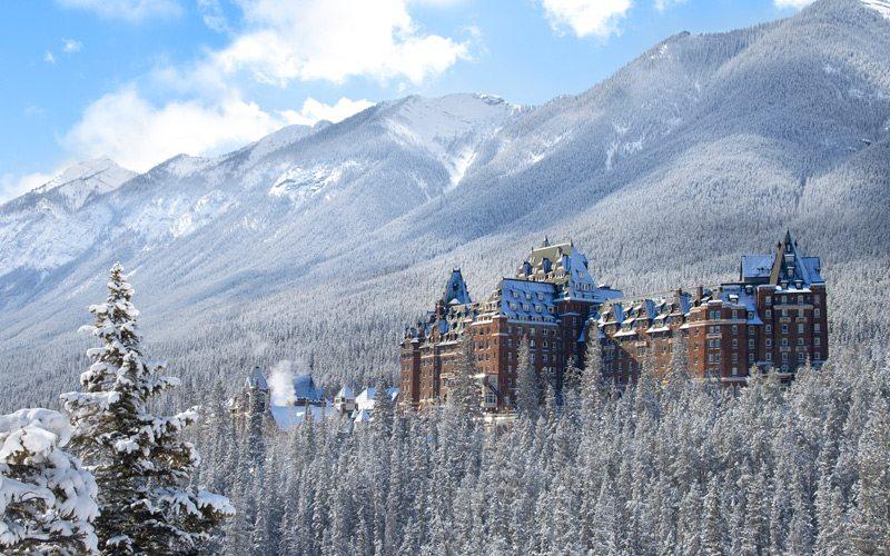 Het Fairmont Banff Springs, oftewel het kasteel in de Rocky Mountains: een prachtig hotel voor je wintersport vakantie in Banff in Canada.
