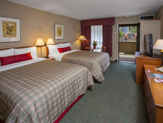 Marmot Lodge standard room