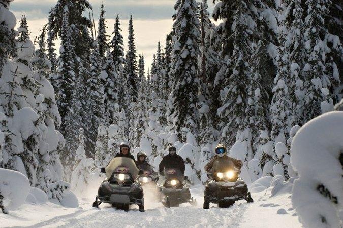 Snowmobile Sun Peaks