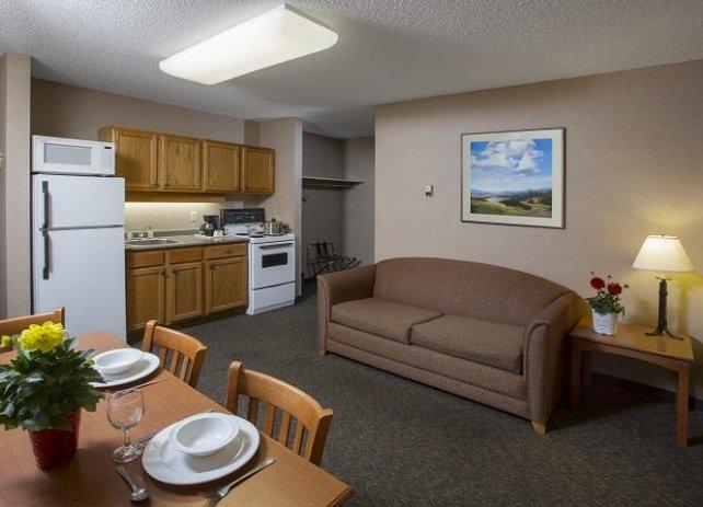 Lobstick Lodge kithenette room