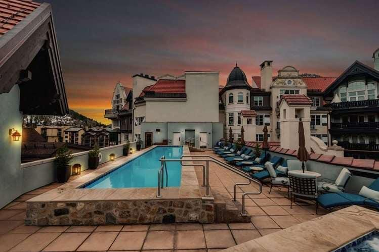 Vail - The Arrabelle pool